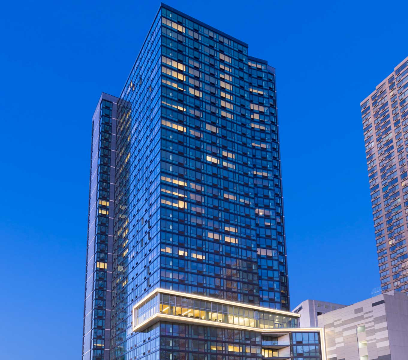 Captivate digital Display Screens VYV Apartments - Jersey City - Multifamily building
